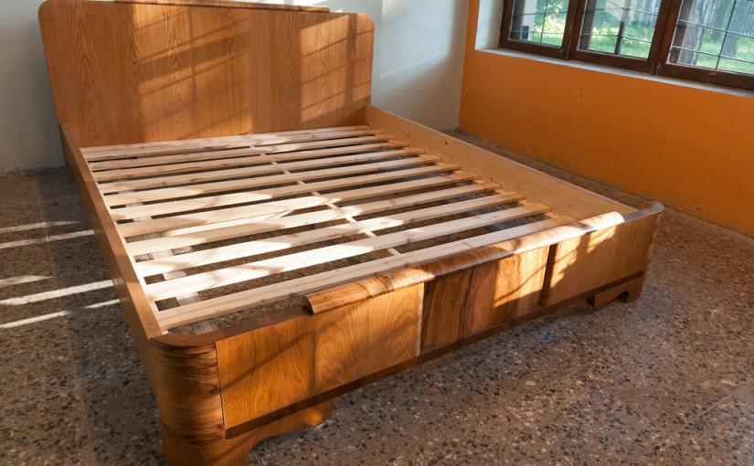Funkstiilis voodi