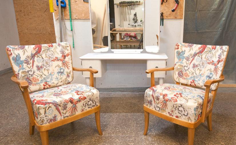 Peeglilaua ja tugitoolide restaureerimine